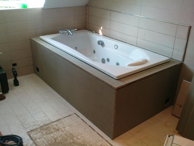 préparation caisse bois avant pose wengé pour baignoire