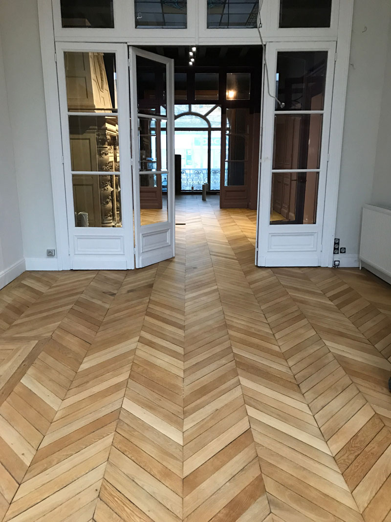 renover parquet fabulous parquet mosaique en chne et frne with renover parquet comment rnover. Black Bedroom Furniture Sets. Home Design Ideas