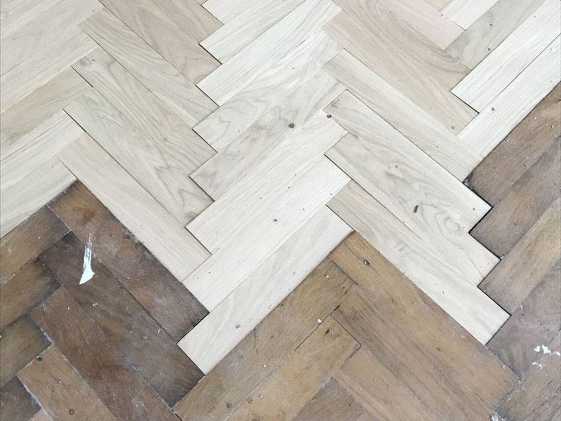 Rénovation parquet chêne bâtons rompus